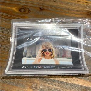 Taylor Swift 1989 World Tour Magnet